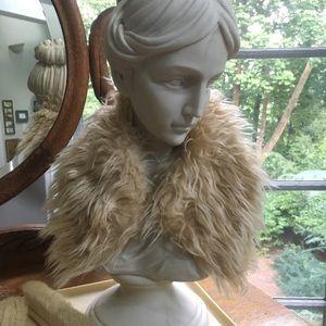 Vintage Cream Fake Fur Collar